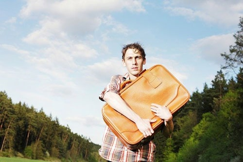 How to Move Out with No Money (The Ultimate 4-Step Guide)